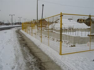 High visibility welded wire temporary fence panels for sale