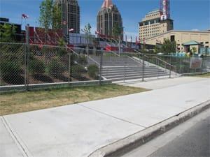 Temporary chain link fence panels for special events
